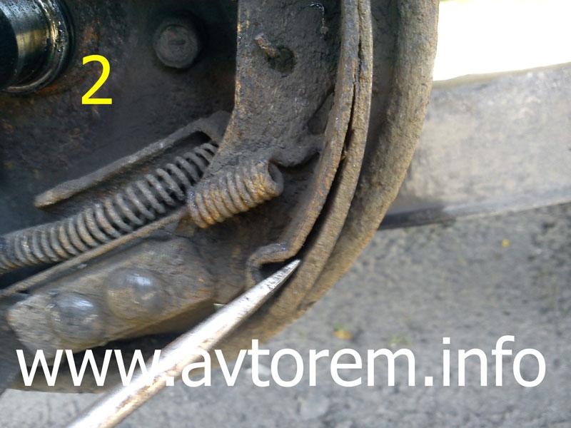 Отслоение фрикционной накладки тормозной колодки матиз
