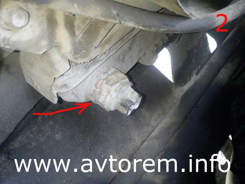 Сливаем охлаждающую жидкость с радиатора охлаждения ваз-2106