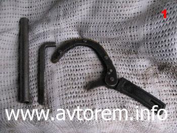 Замена масла в двигателе на автомобиле Daewoo Sens, инструмент для замены масла в двигателе