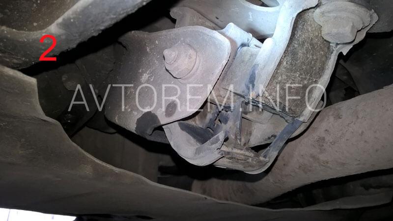 замена задней подушки двигателя нексия