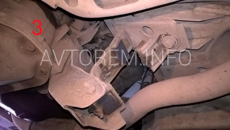 не качественная задняя подушка двигателя ланос