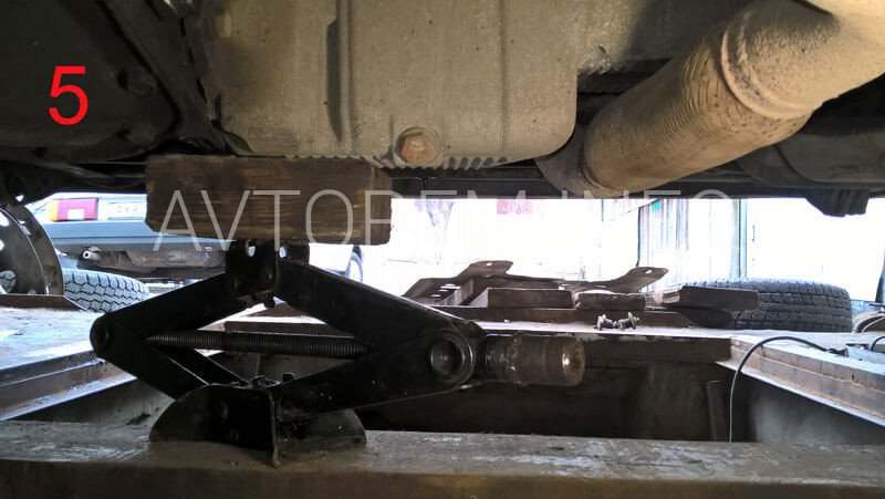 подушка двигателя нижняя ланос цена